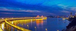 大连新海湾大桥——国内首座海上亚博app苹果式悬索桥