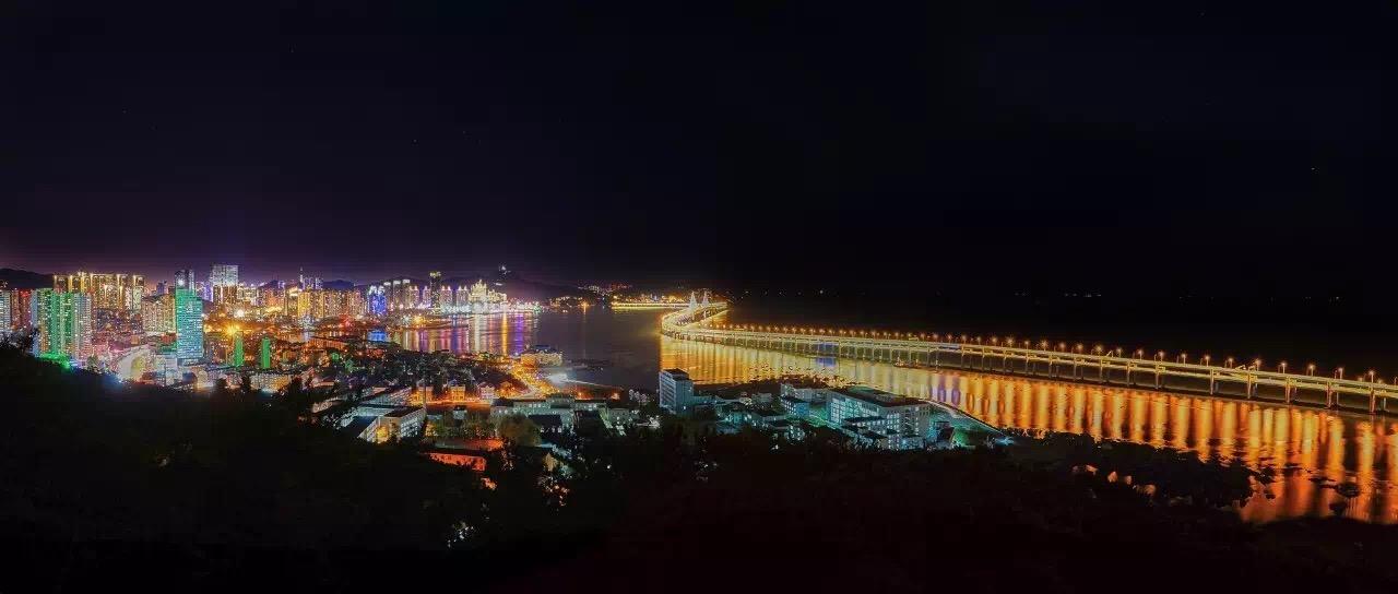 年夜连新海湾年夜桥——国内首坐海上地锚式悬索桥